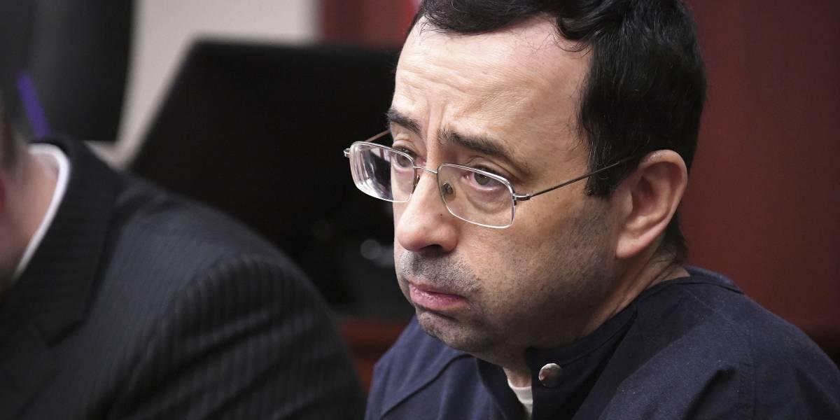 """""""Firmé tu sentencia de muerte"""": El médico abusador serial de gimnastas fue sentenciado a 175 años de cárcel"""