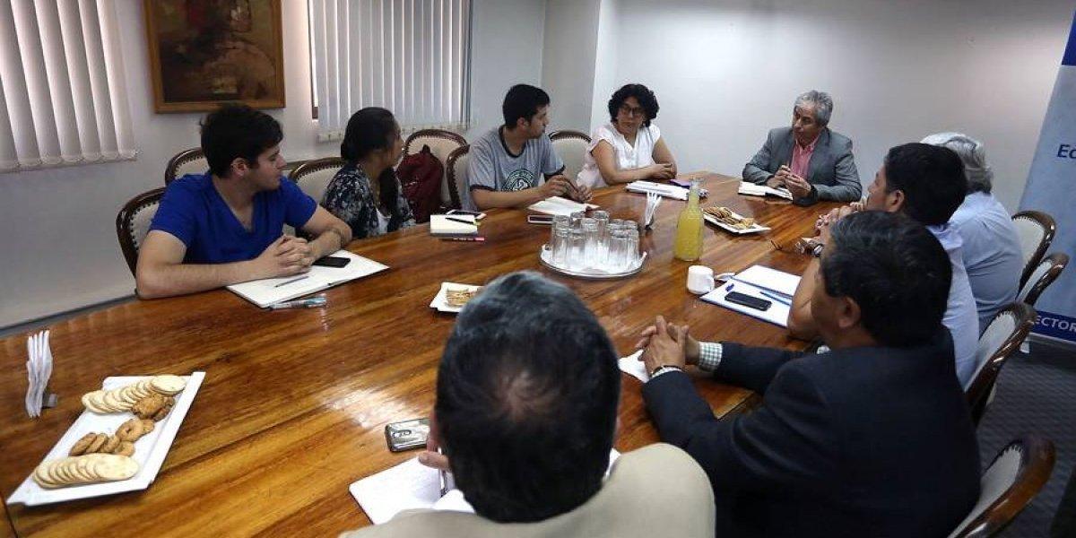"""Profesores y estudiantes evalúan como """"negativa"""" y """"mercantilista"""" designación de Gerardo Varela como ministro de educación"""