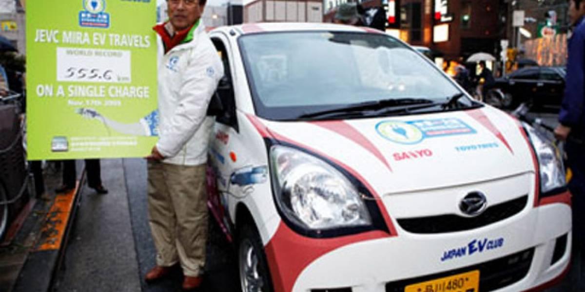 Sanyo rompe el record mundial de autonomía en automóviles eléctricos
