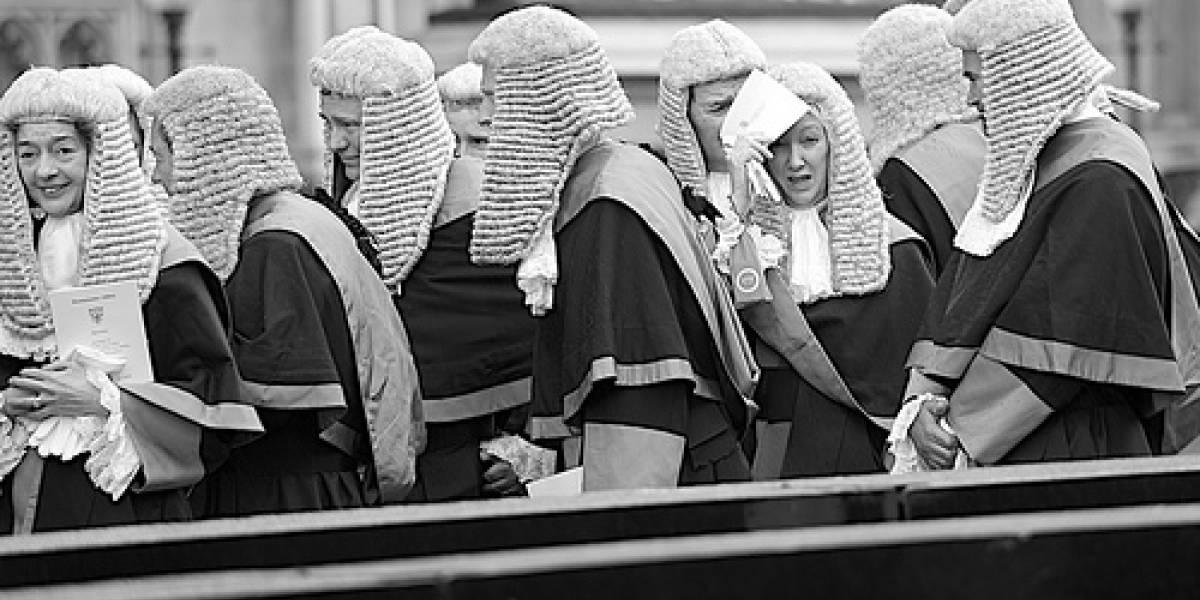 Abogado amenazado se retira de juicio por descargas en el Reino Unido
