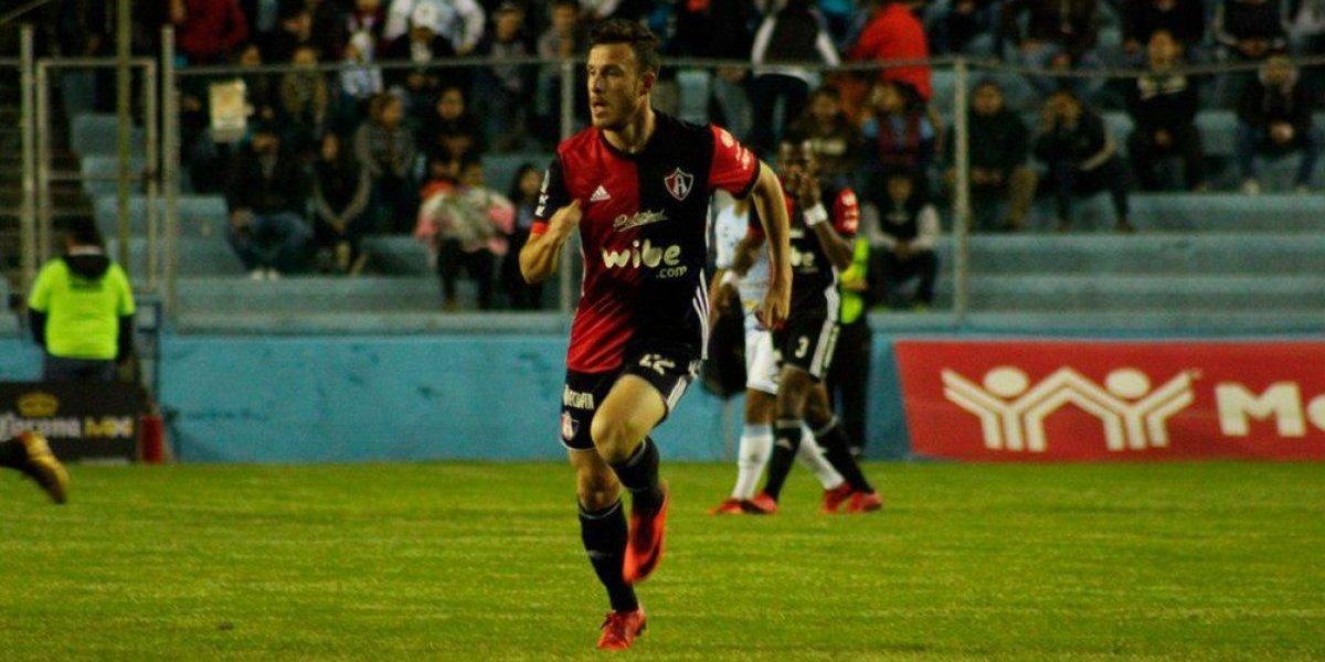 La extraña noche de Angelo Henríquez: Hizo su primer gol en Atlas pero terminó viendo el partido en camarines