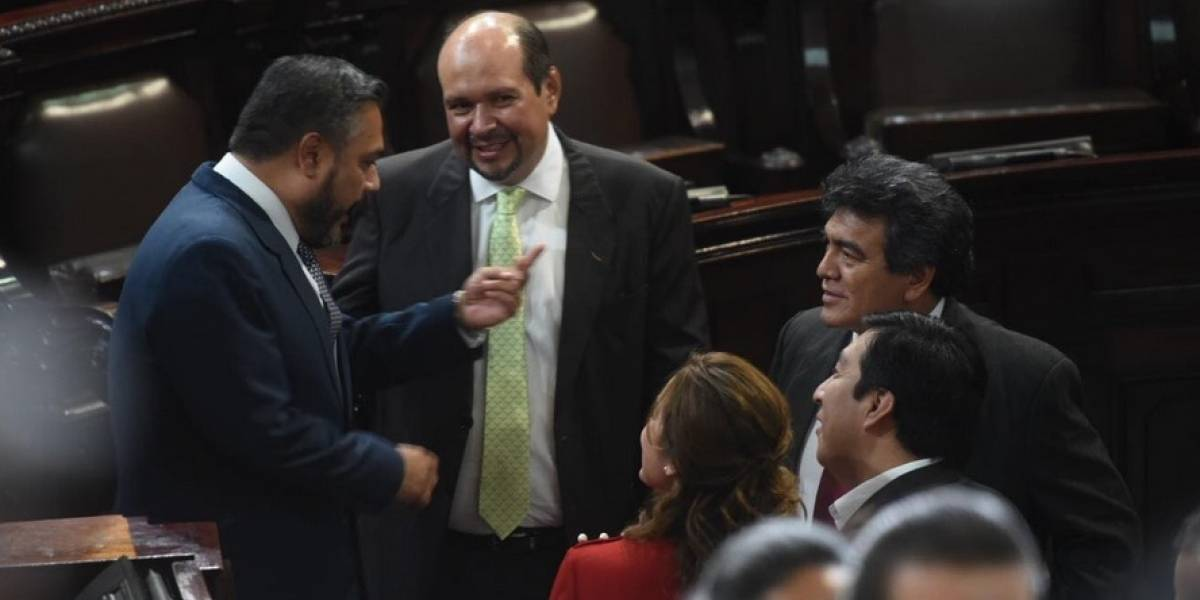 Pulso político se evidencia en repartición de las comisiones