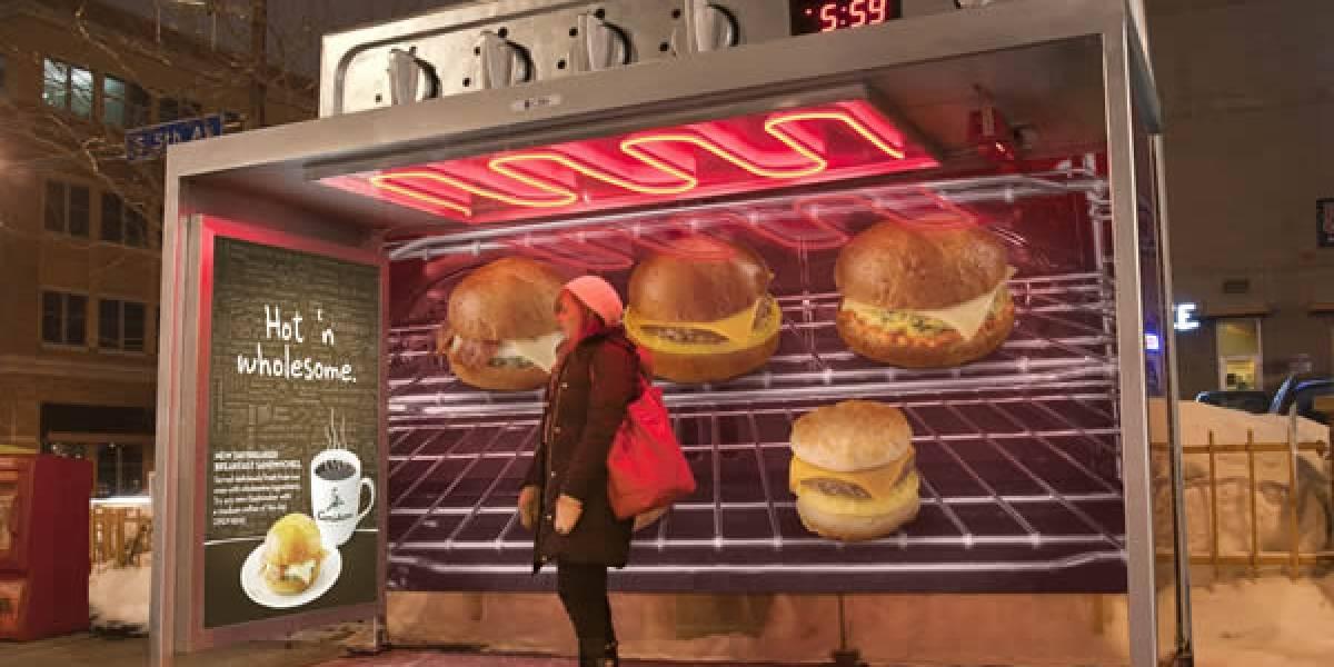 Café pone a hornear a los usuarios del transporte público mientras esperan bus