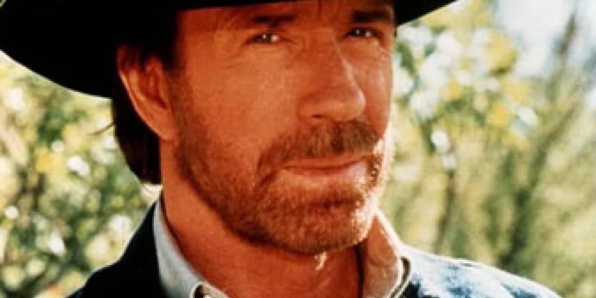 Chuck Norris cumple 70 años de patadas giratorias