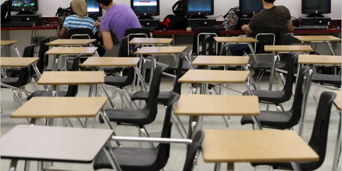 Educación pública en Florida adopta clases virtuales para 7 mil alumnos