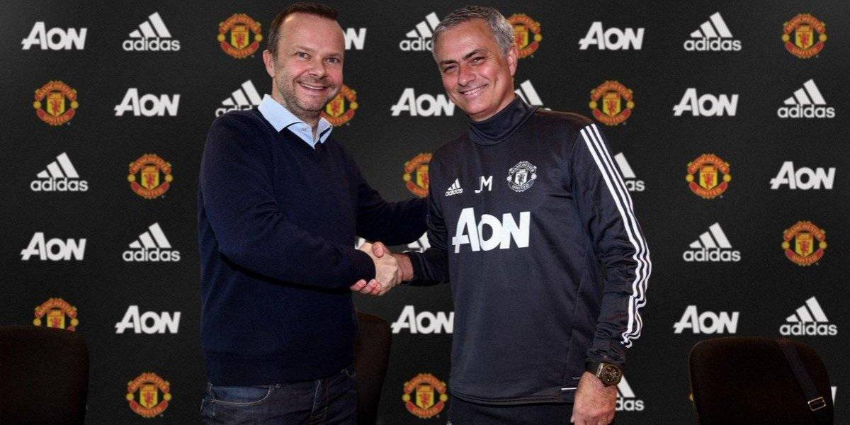 Mourinho renueva con el Manchester United hasta 2020