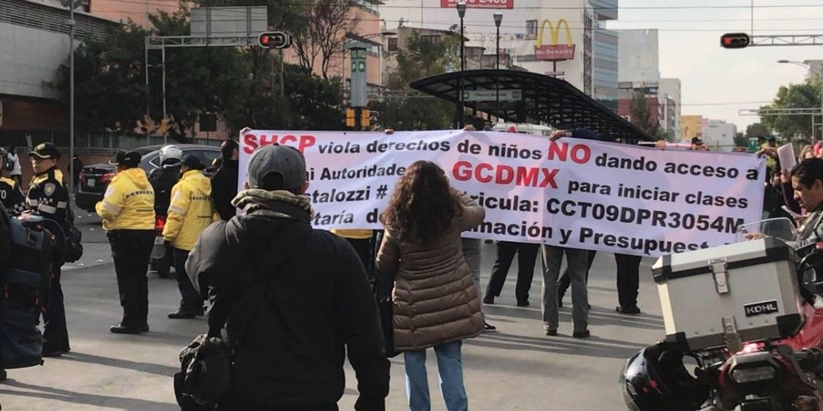 Reabren circulación de Av. Cuauhtémoc tras manifestación de padres de familia