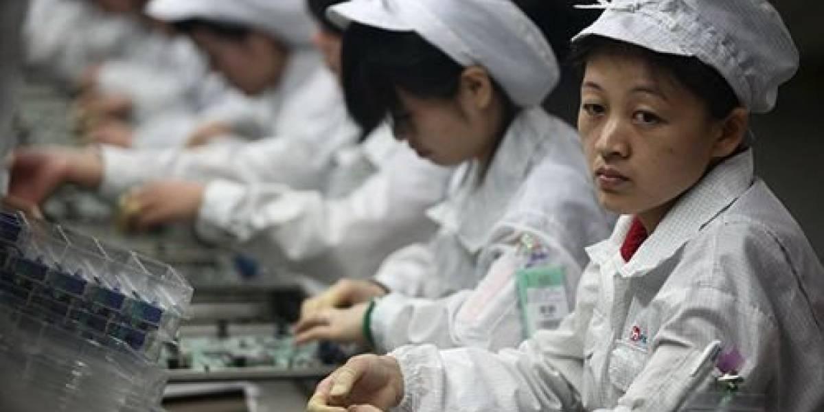 Foxconn subirá los sueldos y relocalizará trabajadores