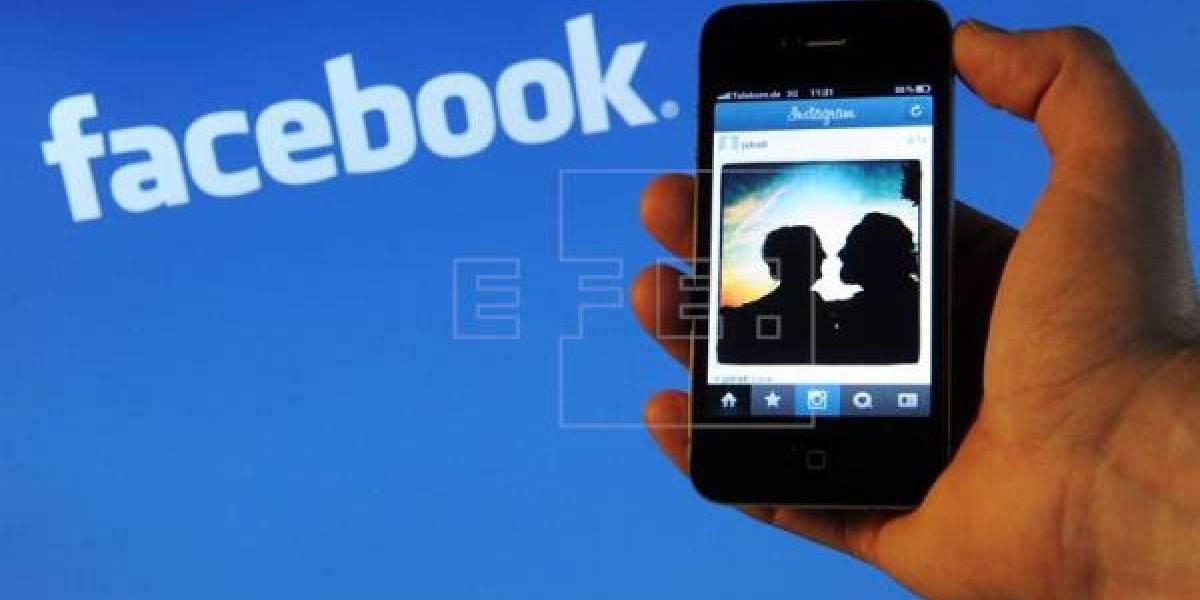 Facebook reporta una caída y usuarios lo notifican en Twitter