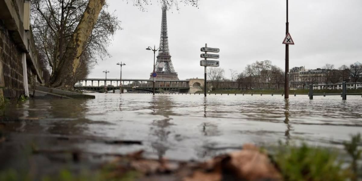 FOTOS. Calles inundadas por desborde del río Sena en París