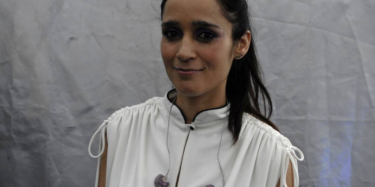 Julieta Venegas intenta subir un video a YouTube, y es bloqueado por infringir el copyright