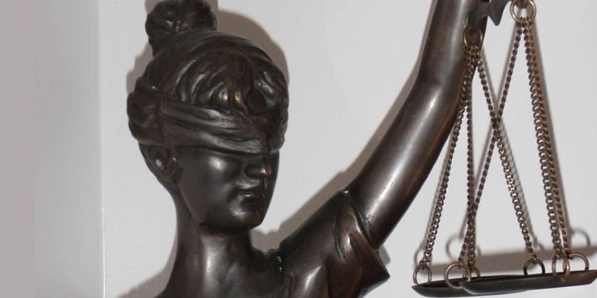 Corte de EE.UU. determina que insertar un video no es un crimen