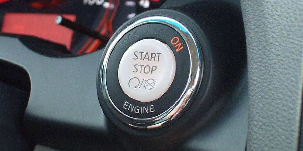 Autos con apertura y arranque automáticos son hackeables con un par de antenas