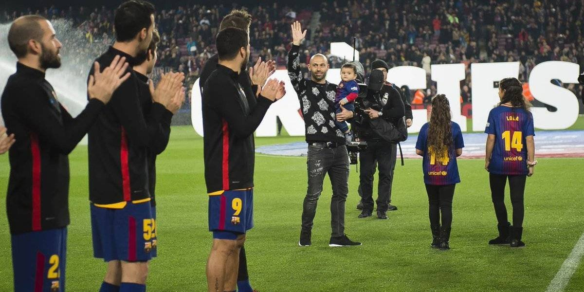 Mascherano se despide de la afición del Barcelona