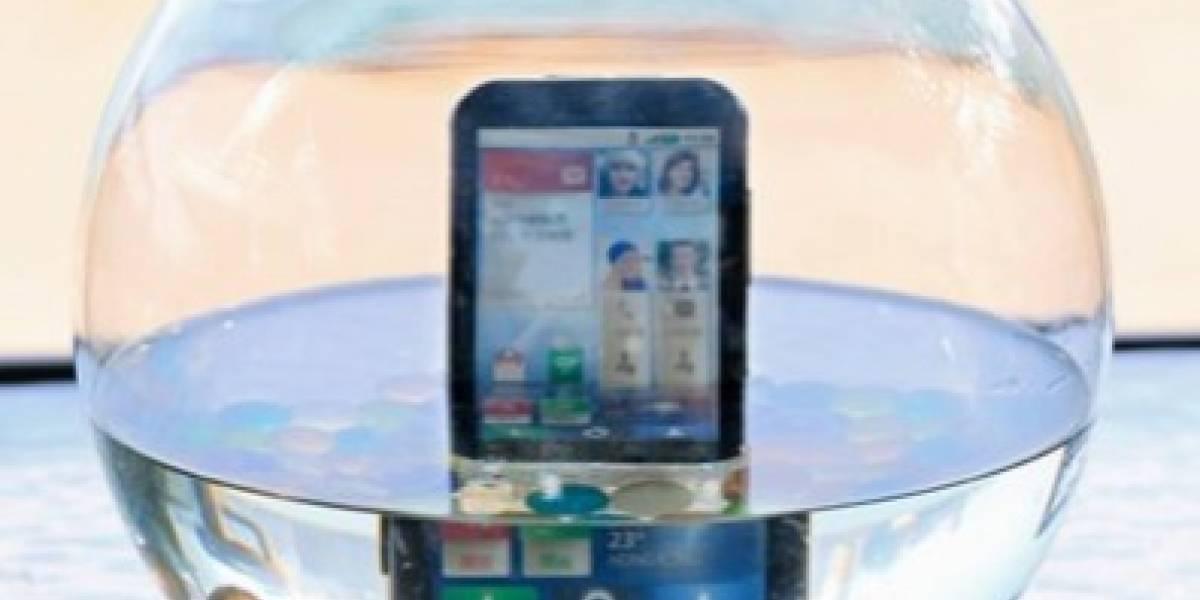 Motorola lanza el Defy con Movistar Chile