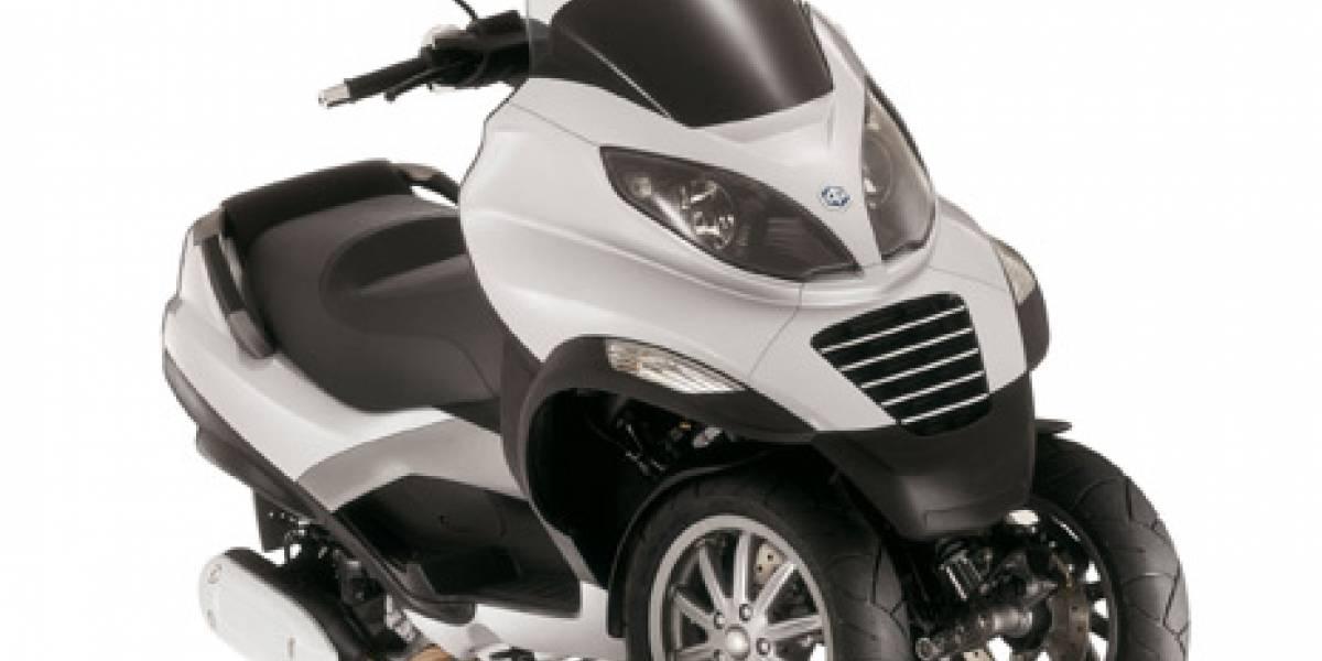 Piaggio MP3, una motoneta de 3 ruedas