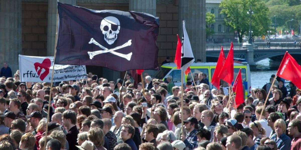 Warner Bros. recluta jóvenes anti-piratería