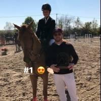 Canelo y su hija comparten el amor por los caballos.