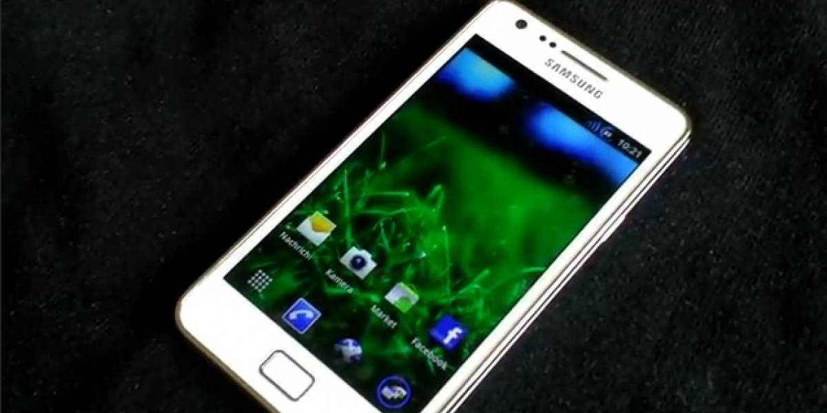 [Video] Un Samsung Galaxy S II blanco corriendo Android 4.0 Ice Cream Sandwich