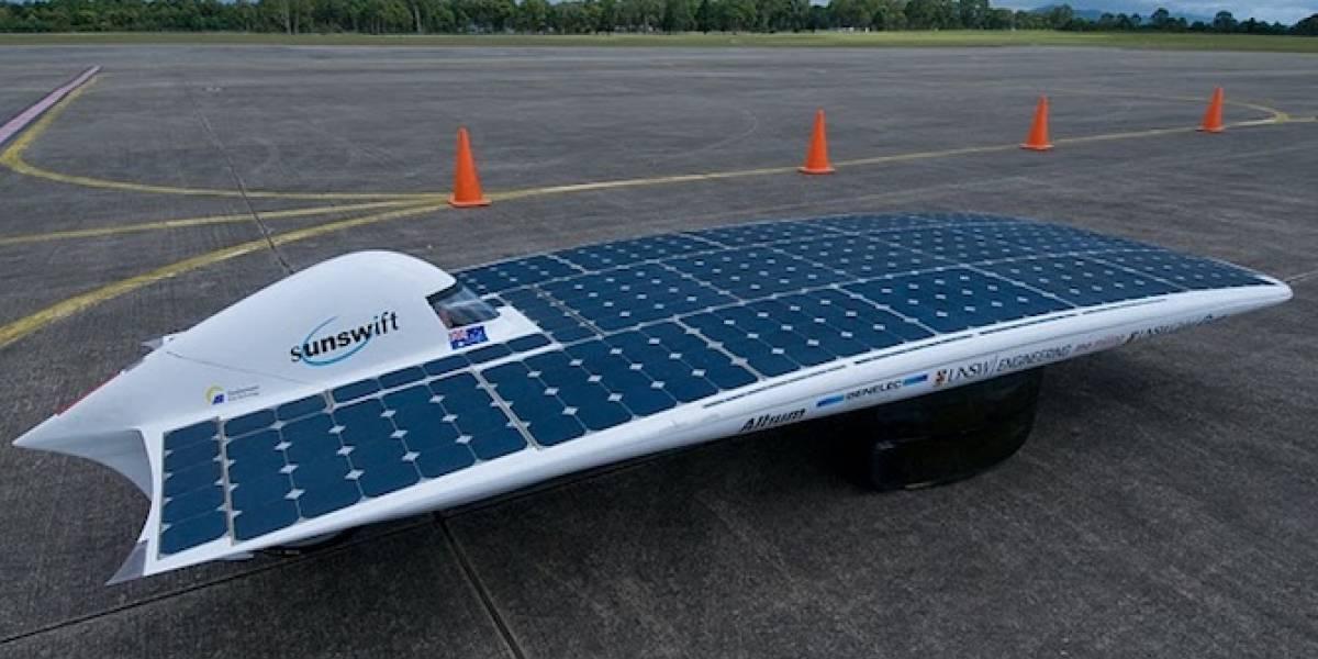 """""""IVy"""" pulverizó el añoso récord de velocidad máxima de autos solares"""