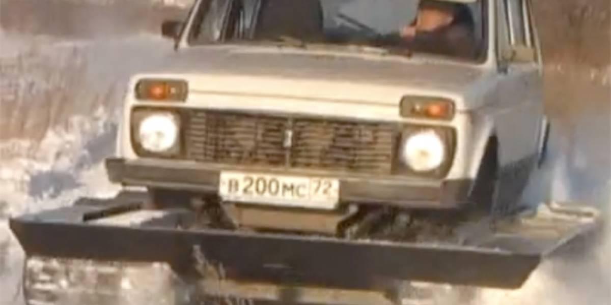 Convierte a tu auto en un tanque ruso (Video)