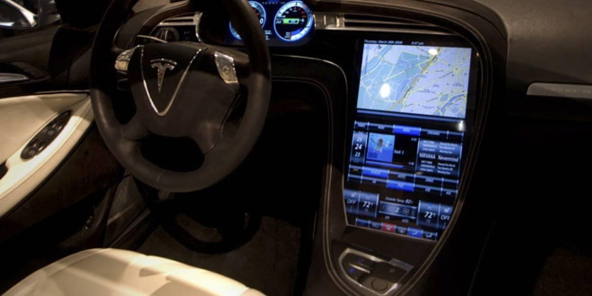 Ahora todos quieren recrear el polémico review al Tesla Model S