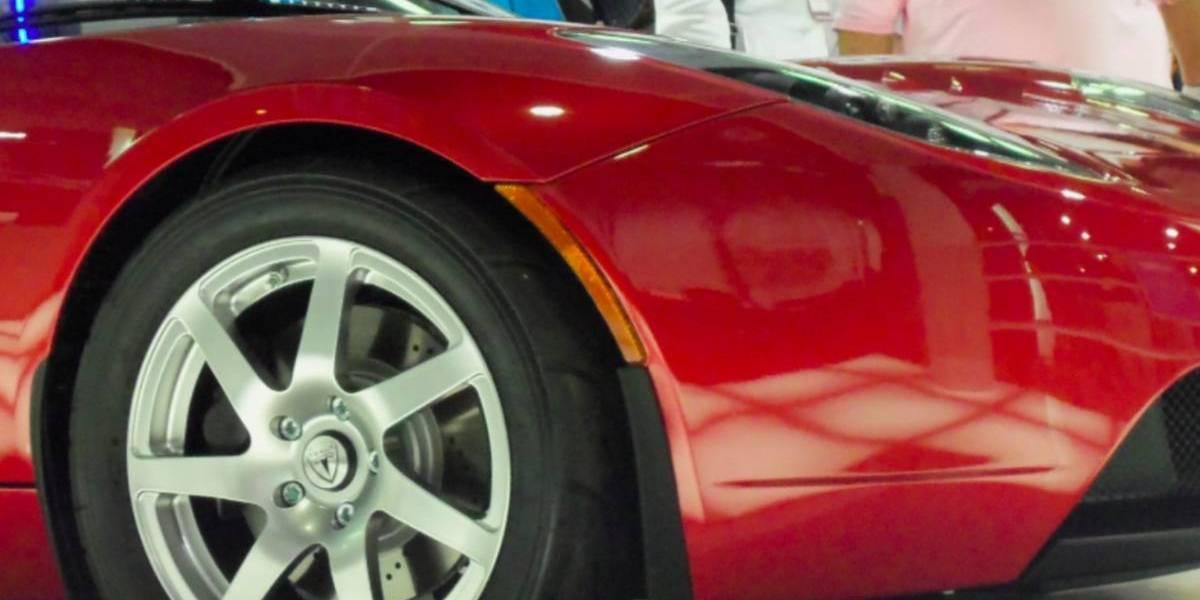 CES 2011: Auto eléctrico que se carga inalámbricamente