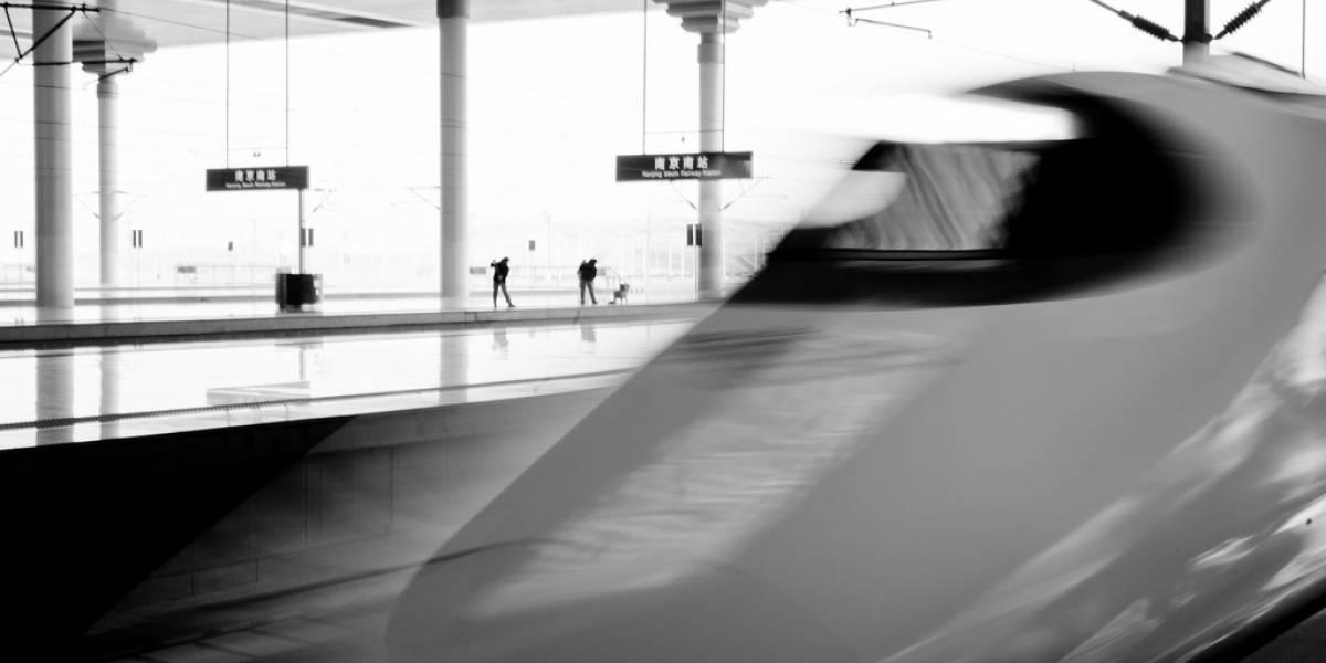 China inaugura la mayor línea de ferrocarril de alta velocidad del mundo