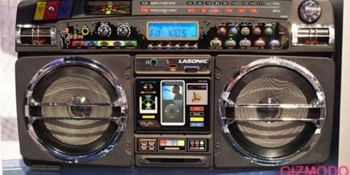 CES 2008: Lasonic i931 iPod Ghetto Blaster