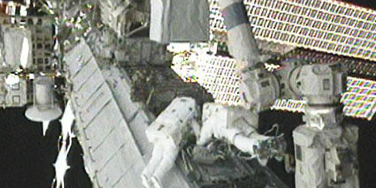 Astronautas logran reemplazar sistema de refrigeración de la ISS