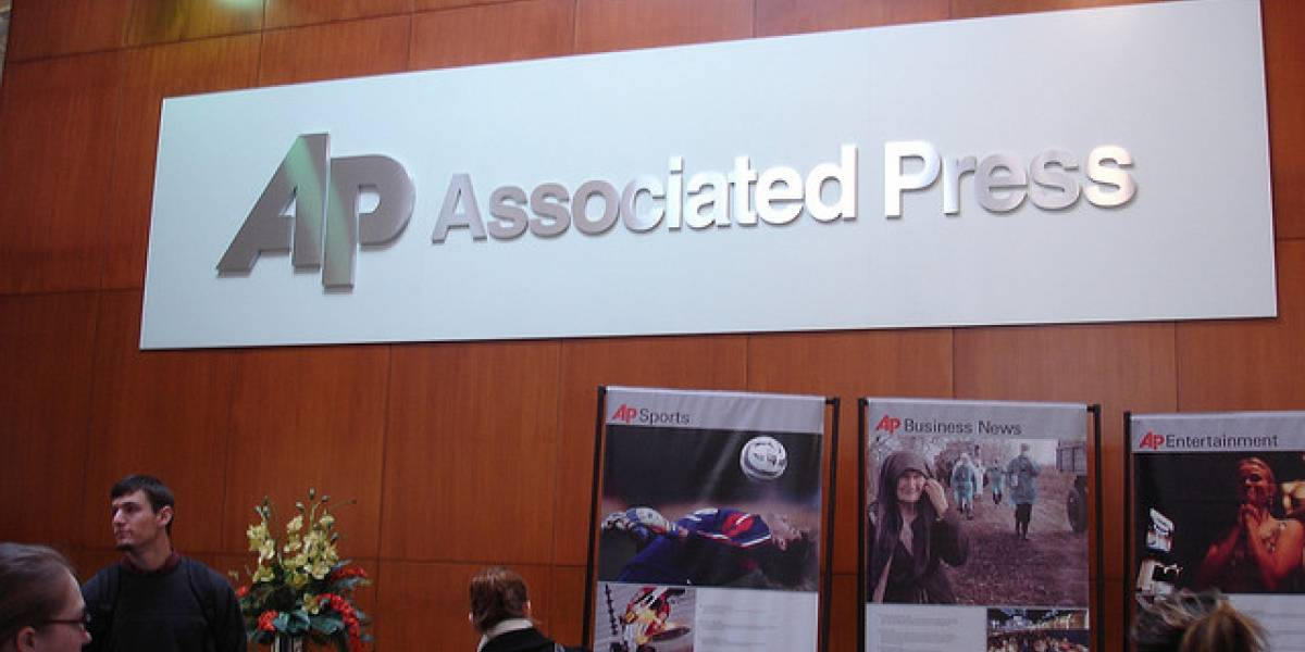 Associated Press demanda a agregador de noticias por violación de derechos de autor