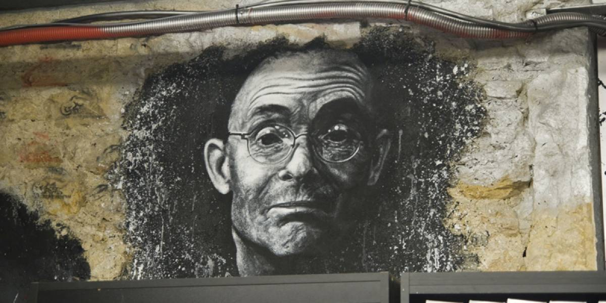Crean campaña para desencriptar poema de William Gibson