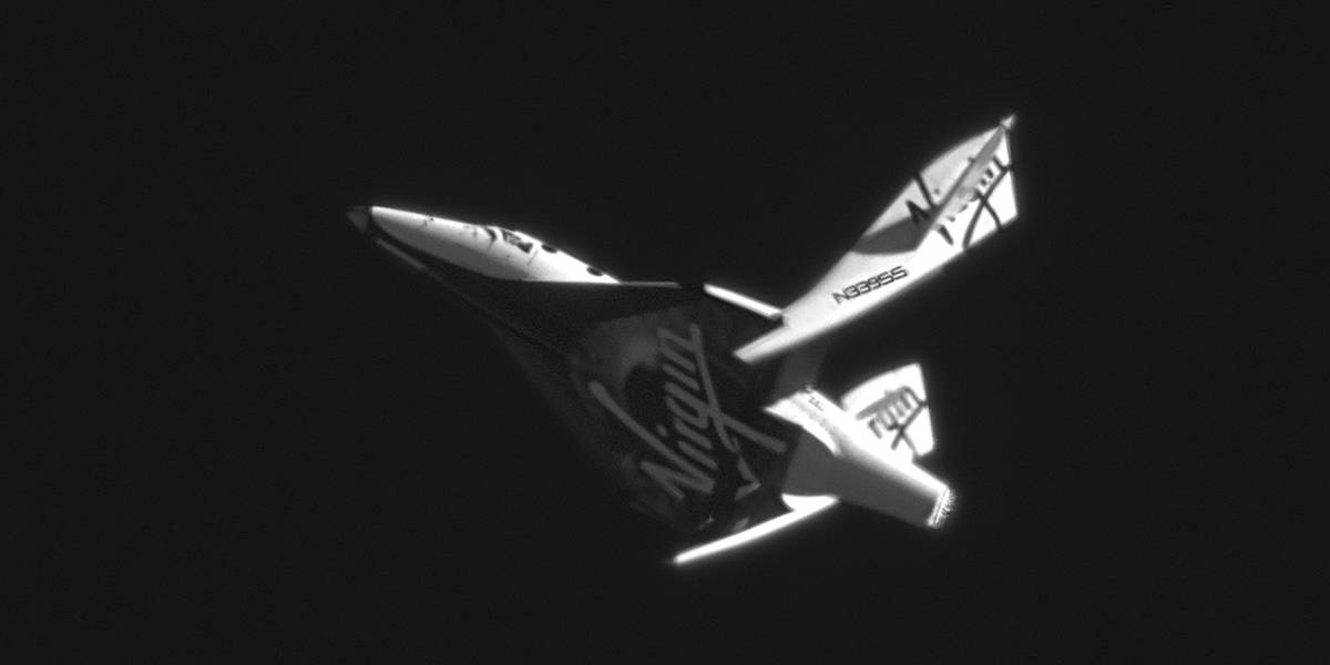 Nave SpaceShipTwo realiza su primer descenso libre (Video)