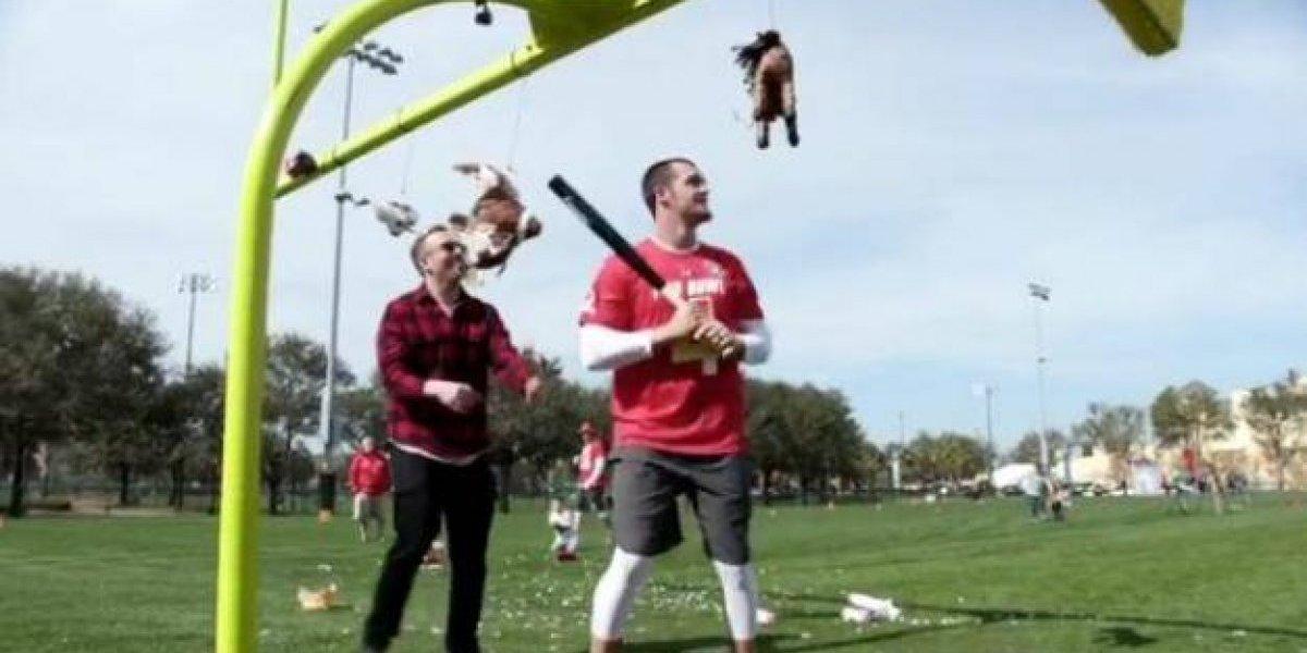 VIDEO: Quarterback de los Raiders establece un nuevo récord Guiness