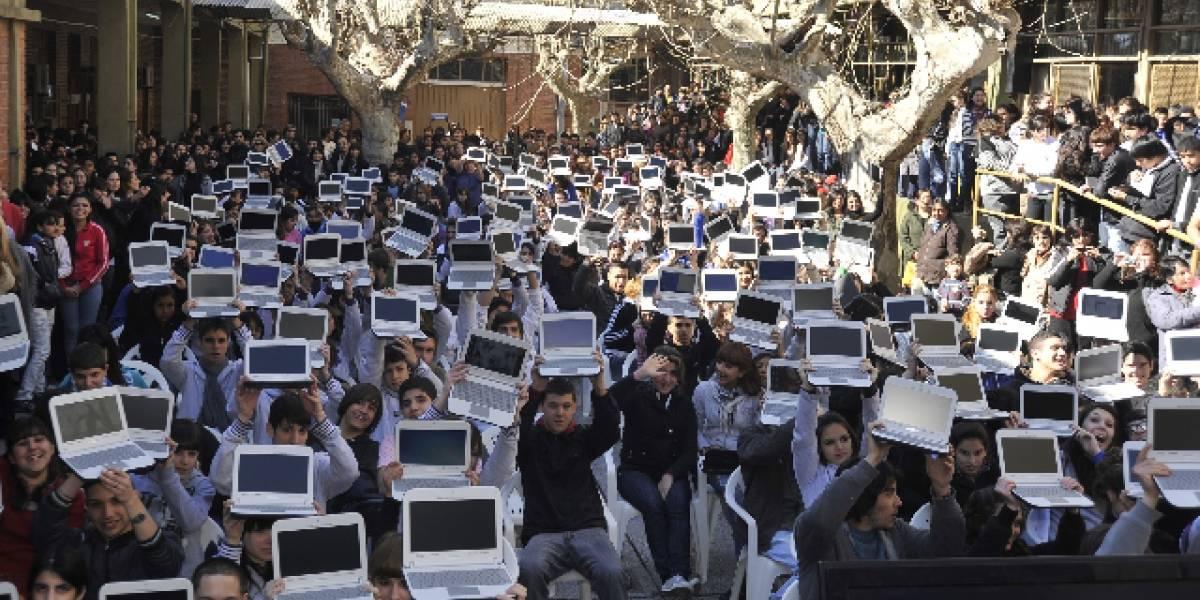 """Argentina: Sólo la mitad de los docentes utiliza las netbooks del plan """"Conectar Igualdad"""" en clase"""