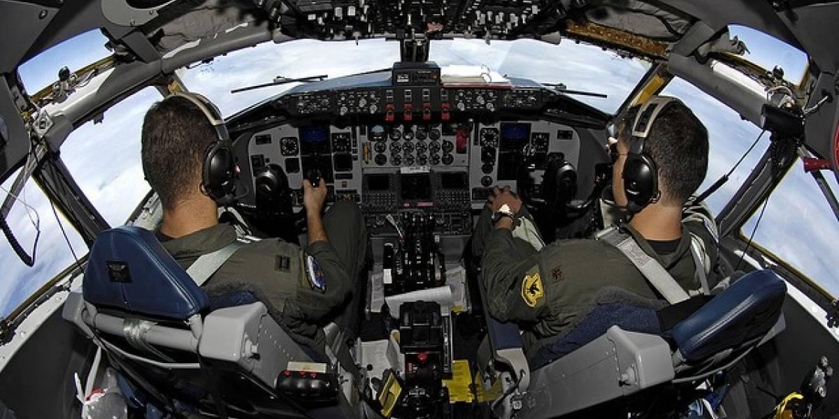 Fuerza Aérea de Estados Unidos podría adquirir hasta 18 mil tablets para reemplazar pesados manuales de vuelo