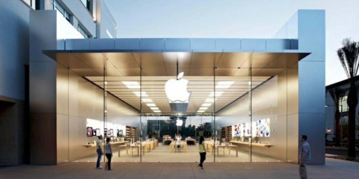 Anciana se estrella contra puerta de tienda Apple y demanda por USD$1 millón
