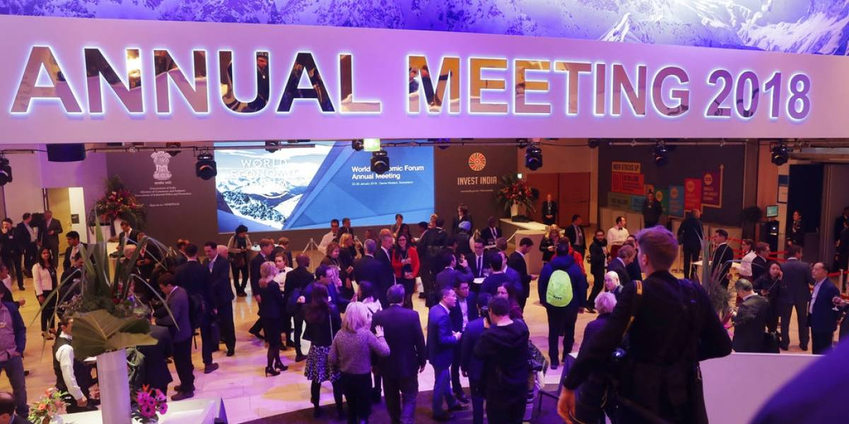 """Foro económico de Davos: Trump extiende """"alfombra roja"""" a las inversiones en Estados Unidos"""