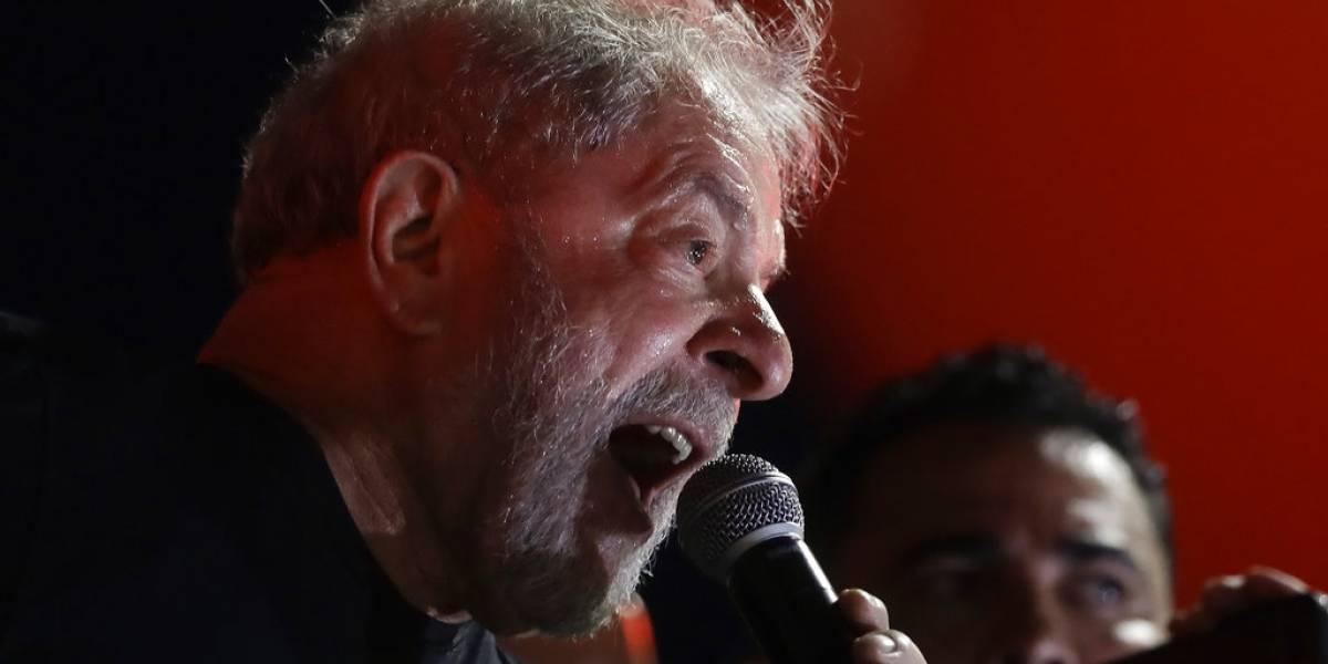 Por peligro de fuga Lula da Silva entrega su pasaporte tras solicitud de la justicia