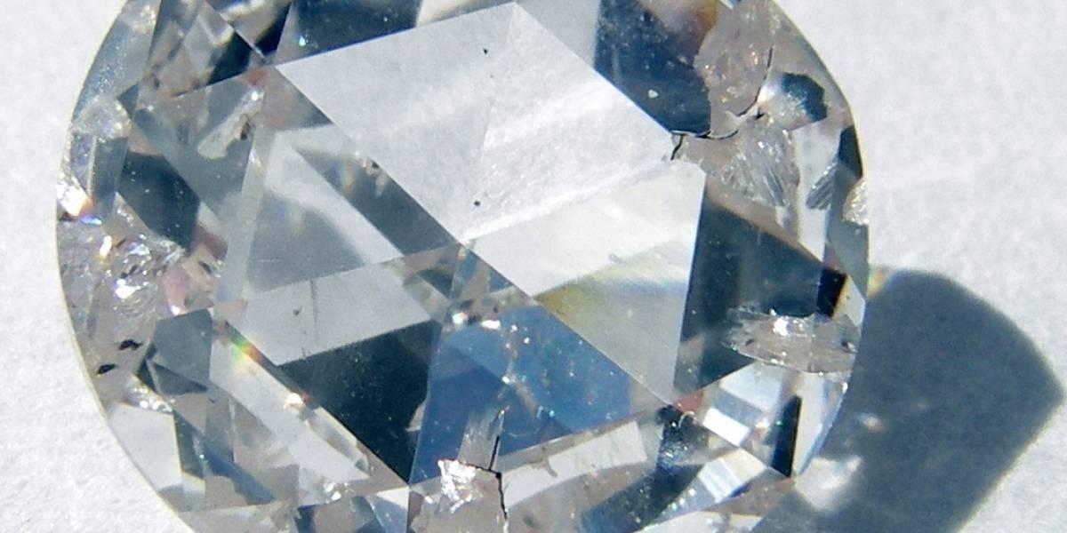 Construyen computadora cuántica al interior de un diamante