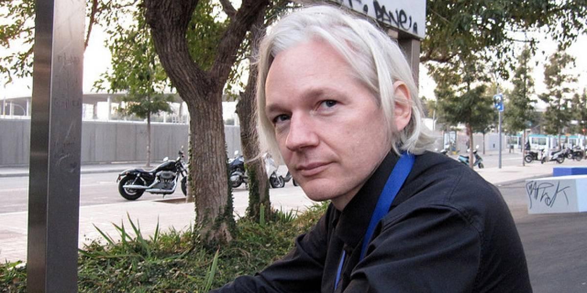 Julian Assange recibe medalla de la paz de Australia