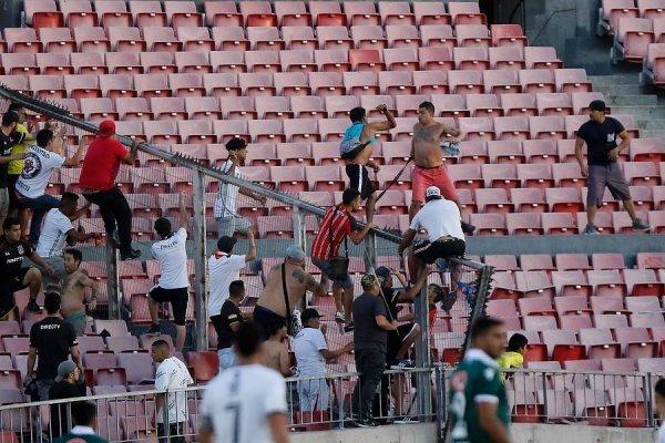Incidentes entre hinchas de Colo Colo y Wanderers