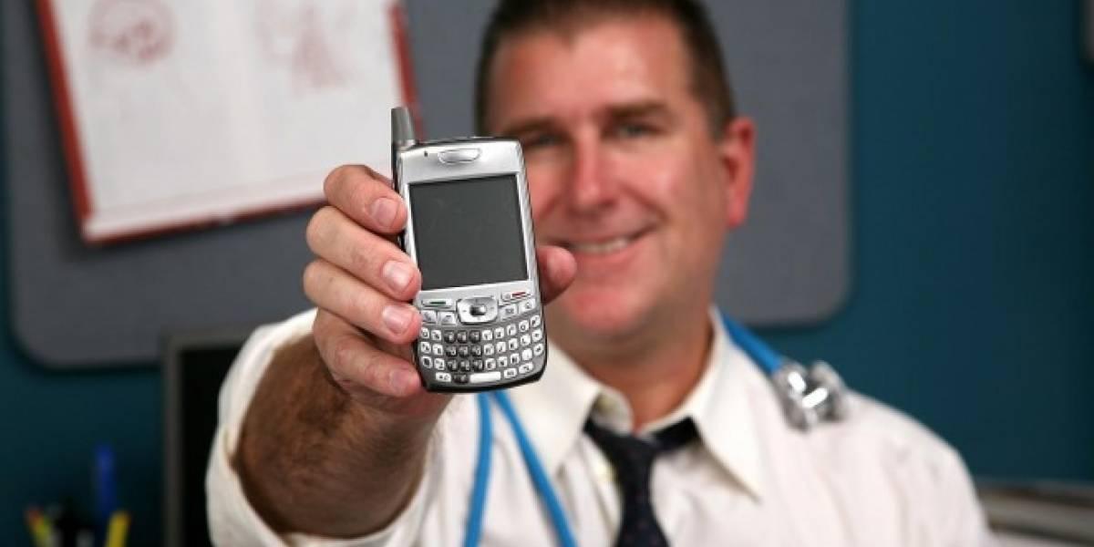 Los smartphones podrían distraer a los doctores y poner en riesgo a pacientes