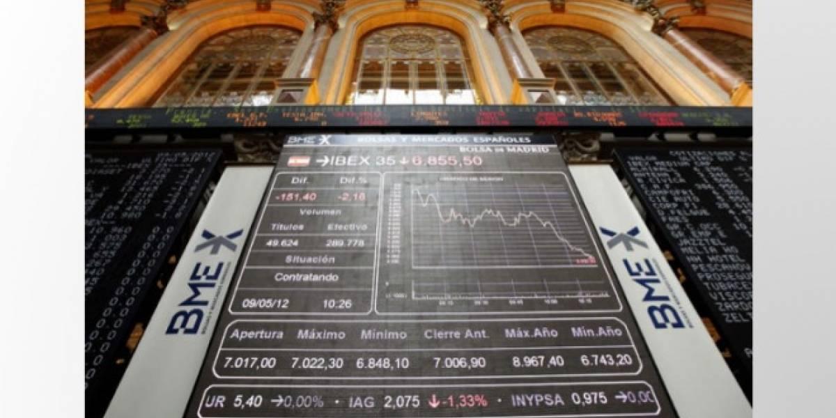 España: La crisis bancaria y la prima de riesgo toman los móviles