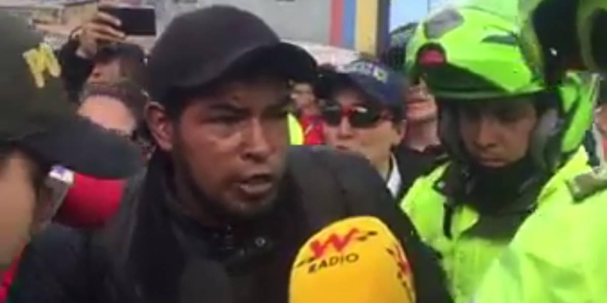 Video: conductor que está trabajando suplica que no inmovilicen su moto en protestas de Bogotá