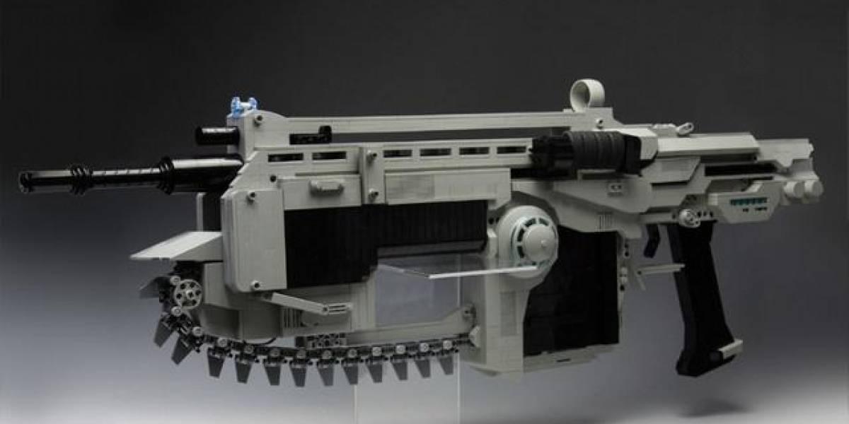Esta Lancer de Gears of War hecha de Lego se ve impresionante
