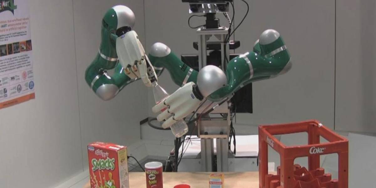 Consiguen desarrollar unas manos robóticas que agarran con fuerza y delicadeza