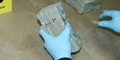 localizan dinero en vehículo en Huehuetenango