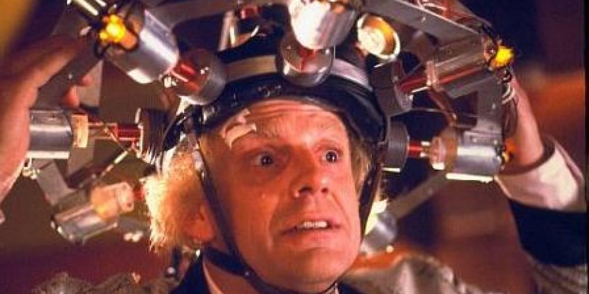 """Australiano crea """"gorra de pensar"""" que estimula la creatividad con electricidad"""