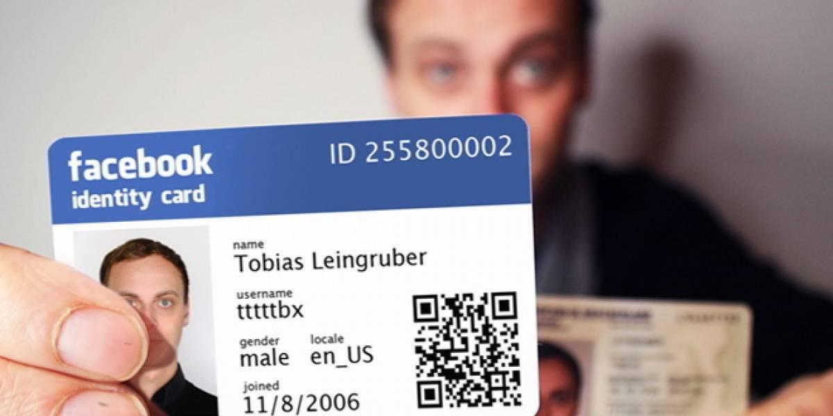 Un sujeto crea una identificación personal de acuerdo a su perfil de Facebook
